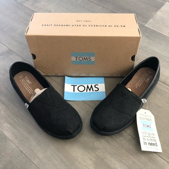 Toms Other - TOMS black glitter TOMS – Youth size 5